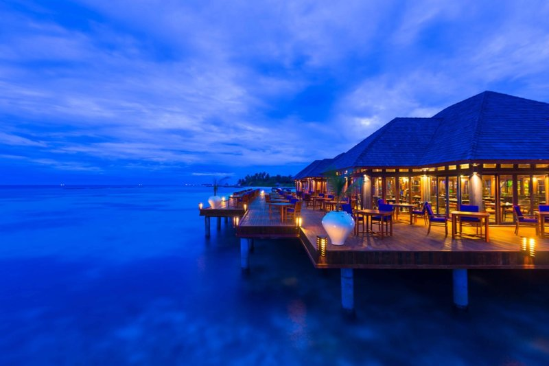 Maldives Olhuvel Resort Restaurant Sunset